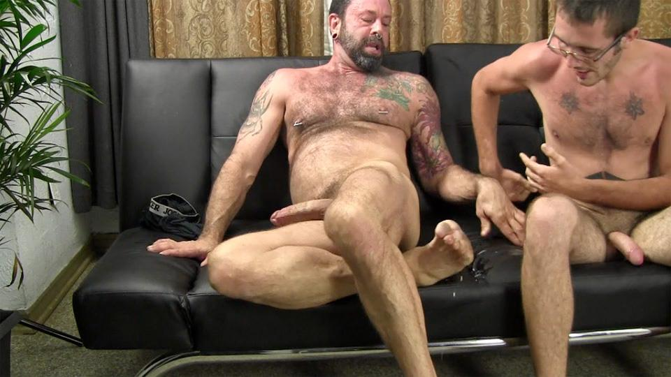 Straight Fraternity Reese Straight Young Guy Barebacking a Hairy Muscle Daddy Amateur Gay Porn 27 Amateur Young Straight Guy Barebacks a Hairy Muscle Daddy