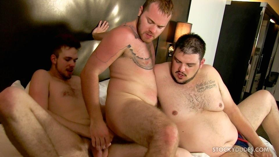 Stocky-Dudes-Brock-Fulton-and-Craig-Cruz-and-Zeke-Johnson-Chub-Cub-and-Chaser-Barebacking-Amateur-Gay-Porn-21 A Chub, A Cub and A Chaser Bareback At A Hotel Orgy
