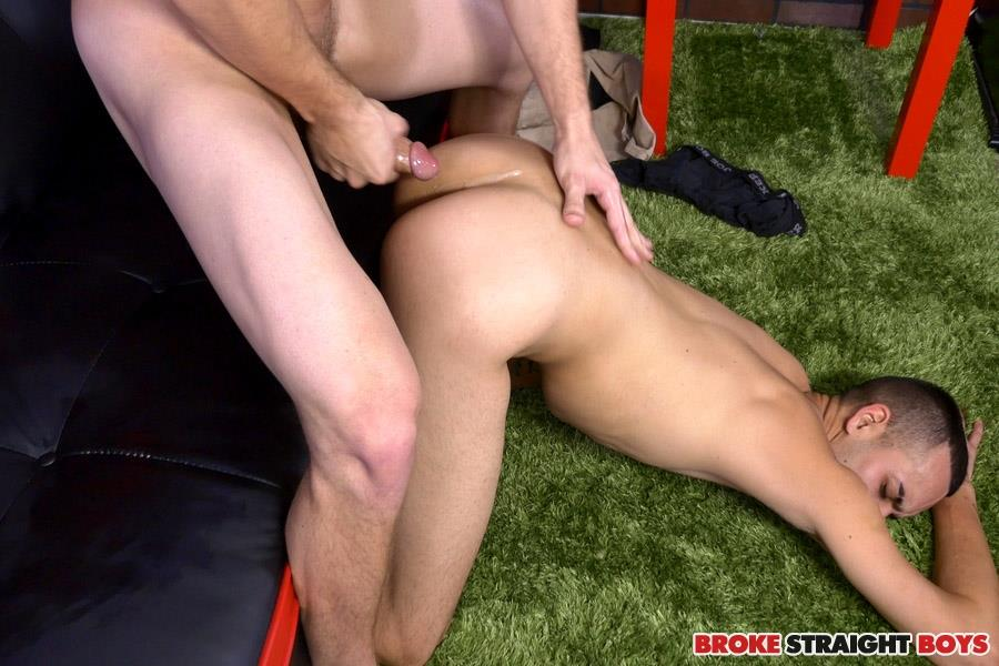 Broke Straight Boys Justin Riggs and Paul Canon First Time Bareback Virgin Amateur Gay Porn 26 Straight Boy Bottoms For The First Time To Earn Some Cash